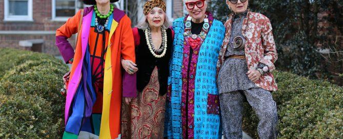 senoras-modernas-vestidas-por-ari-seth-cohen